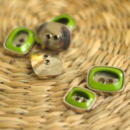 Bouton aspect métal argenté et vert olive