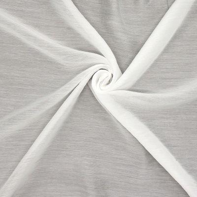 Tissu léger blanc cassé à fines rayures