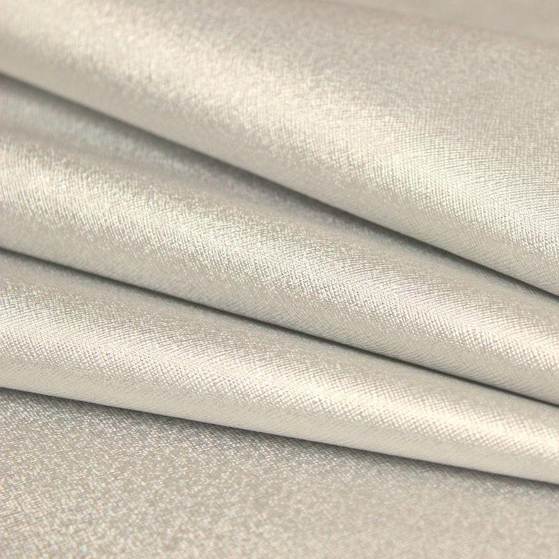 Tissu en PVC et polyester argenté