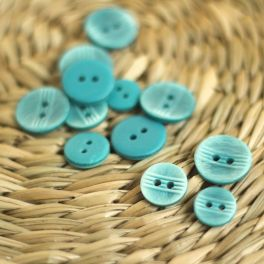 Fantasy resin button - teal