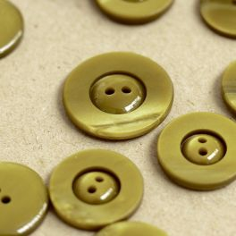 Resin button - marbled khaki