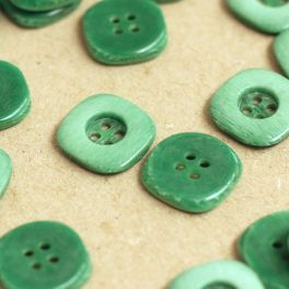 Square resin button - green