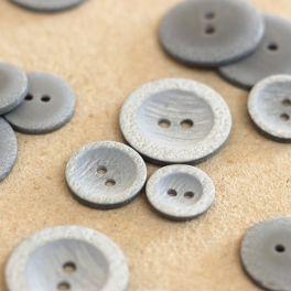 bouton en résine gris