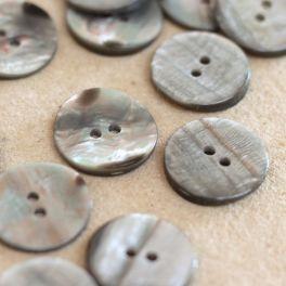 bouton en résine aspect nacré