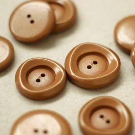 Round button - caramel