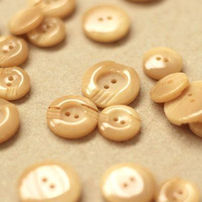 Bouton fantaisie rond beige