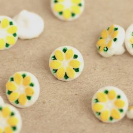Resin button with flower - yellow and white