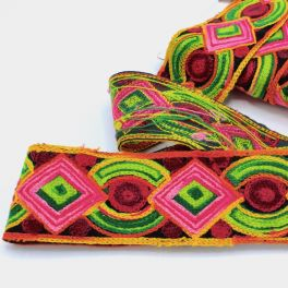 Brazilian ribbon in shades of pink