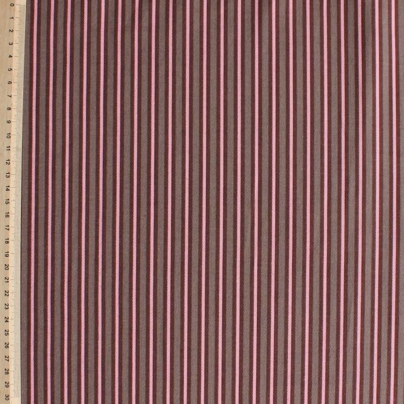 Rood en roze gestreepte katoen stof
