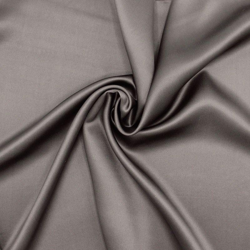 Tissu crêpe envers satin taupe