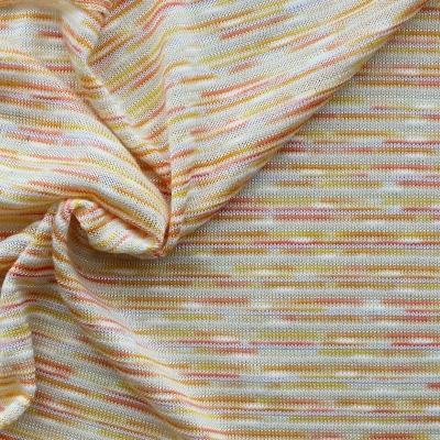Tissu en maille légère lignée orange
