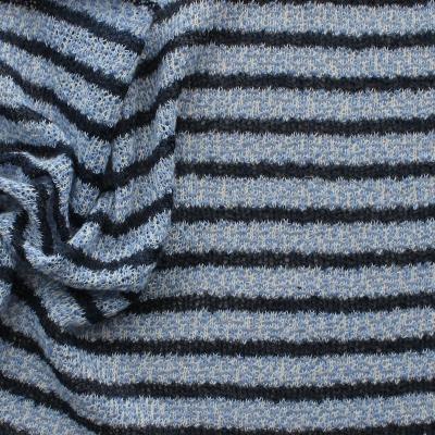 Tissu en maille légère à lignes bleues