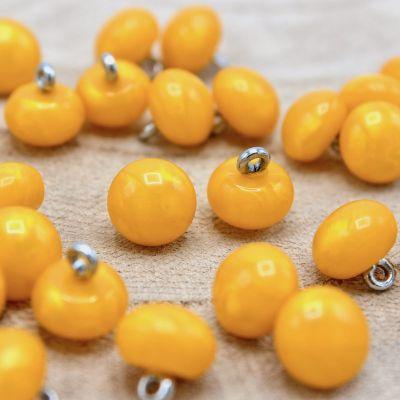 Bouton rond jaune nacré