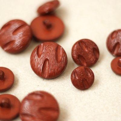 Fantasy button - tomette red