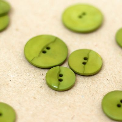 Fantasy button - olive green