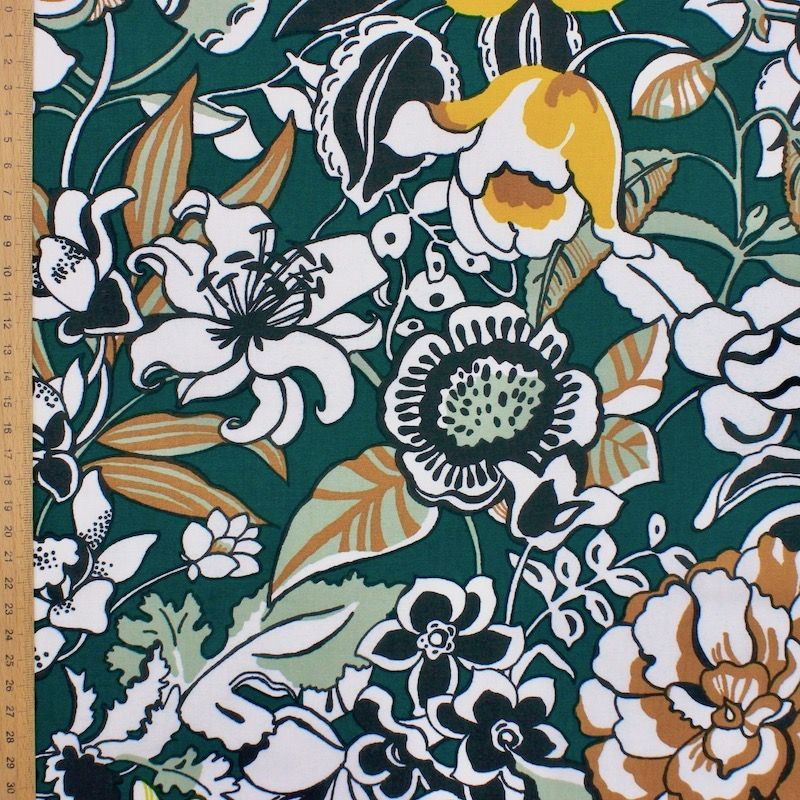 Cotton with flowers - green