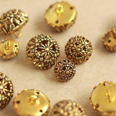 Boutons fantaisie en métal doré