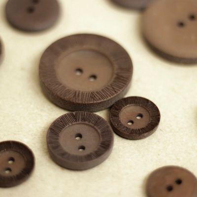 Bouton aspect bois brun