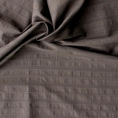 Tissu brun en coton et polyester à lignes