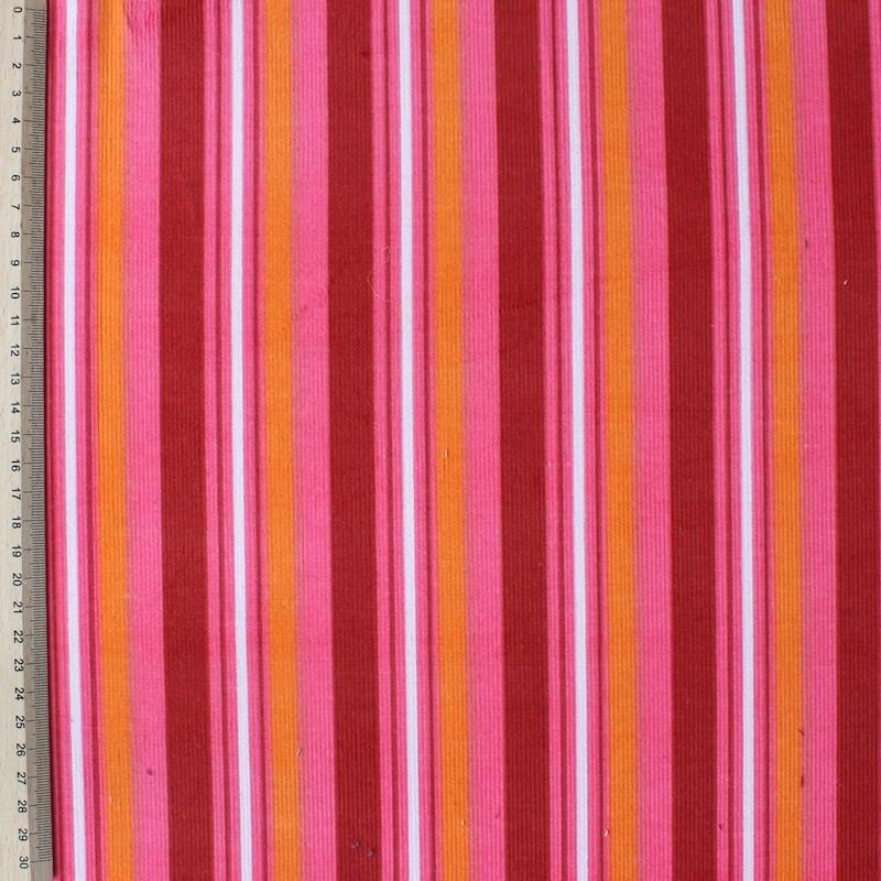Fluwelen stof in katoen met rode en oranje lijnen