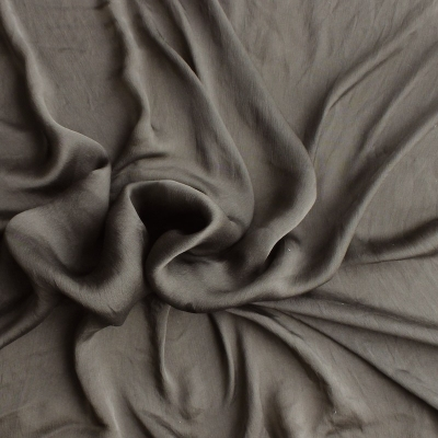 Bruine pongee zijde