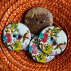 Bouton en coco à fleur et à oiseau rose et bleu 3,5 cm