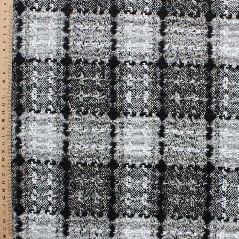 Tissu en viscose, laine et polyester à carreaux noirs et blancs
