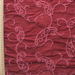 Bordeaux wilde zijde met oude roze geborduurd patroon